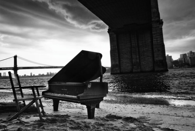 Mystery piano under the Brooklyn Bridge, June 2014. Photo by Richard Corman: http://www.richardcorman.com/